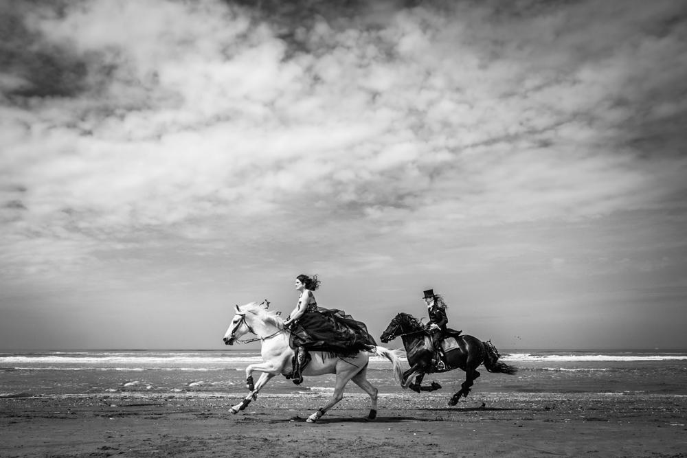 strandbruiloft te paard