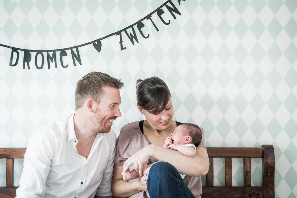 lifestyle newborn fotografie Voorschoten